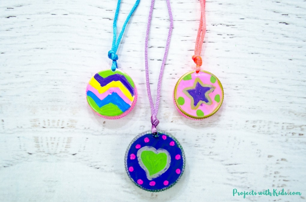 Make An Easy Upcycled Necklace Craft From Plastic Lids Projects