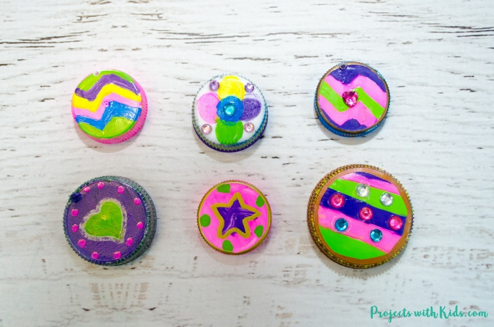 This upcycled necklace craft for kids could not be any easier to make! So fun and colorful, kids will want to make them for all their friends. They also make a great Earth Day project or Mothers Day craft. Kids can create their own unique designs for one of a kind jewelry that makes a wonderful handmade gift.