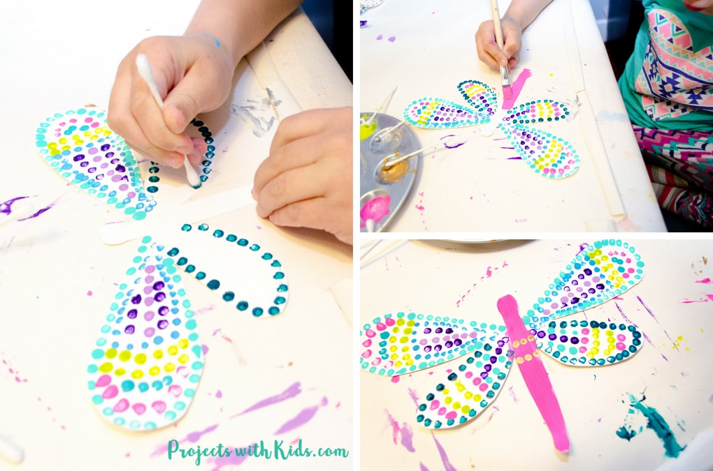 This q-tip painted dragonfly craft is a fun and easy summer activity for kids of all ages. Kids will have fun designing their dragonfly wings, each one will be unique and beautiful. This is a wonderful and relaxing painting project that is also great for working on fine motor skills. Free printable dragonfly template included!