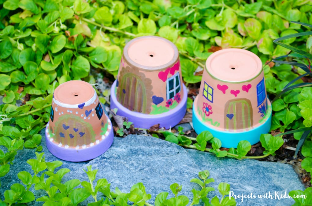 These fairy houses are just adorable and so easy to make! Kids will love creating these painted fairy houses and finding special places for them in the garden. Easy to make for kids of all ages with just a few simple supplies.