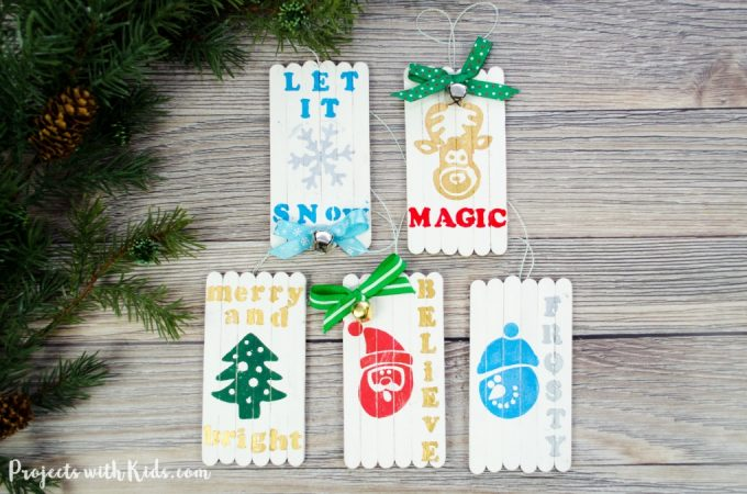 These mini pallet popsicle stick Christmas ornaments are absolutely adorable! They would make a great Christmas craft for older kids and tweens and a beautiful handmade gift for friends and family.