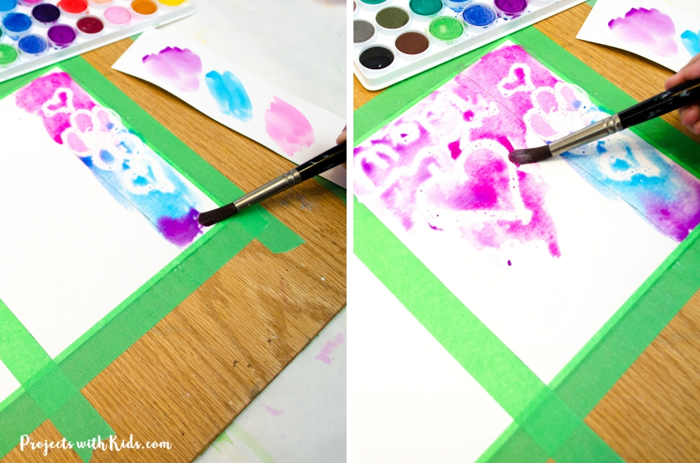 Kids will love to make this lovely Mother's Day bookmark and card set for their mom or grandma as a special handmade gift. A super easy watercolor technique for kids of all ages!