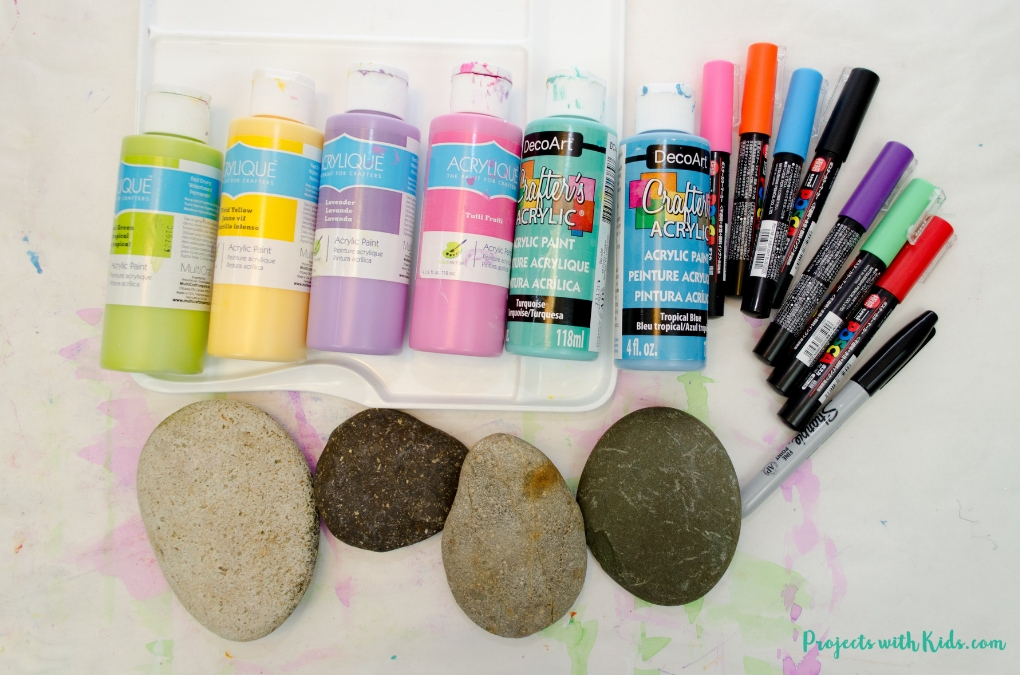 An easy painted rock craft using fingerprint art that makes a wonderful mother's day craft and keepsake.