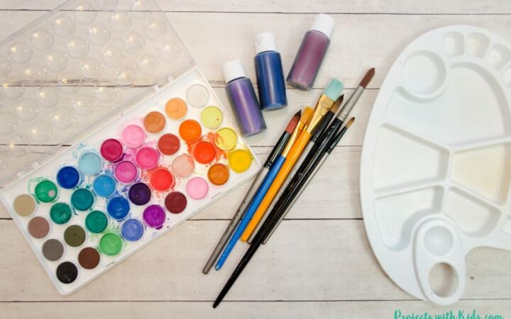 watercolor supplies for beginners - watercolor paints, paintbrushes, paint palette