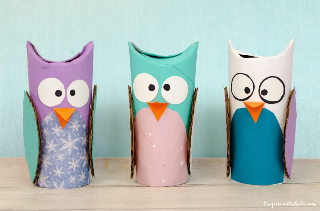 Owl craft made with toilet paper rolls.