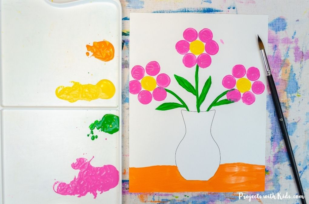 Painting a flower painting with acrylic paint